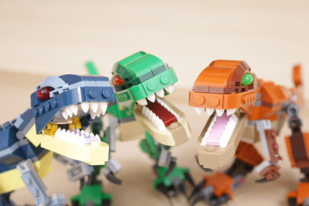 LEGO Creator 3 in 1 77940 Mighty Dinosaurs and 77941 Mighty Dinosaurs review 32