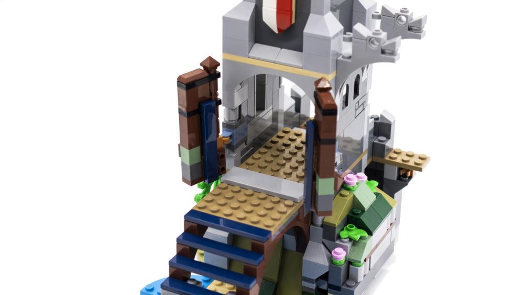 LEGO Creator 3 in 1 Medieval Castle 31120 12