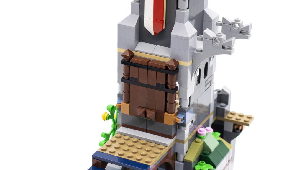 LEGO Creator 3 in 1 Medieval Castle 31120 14