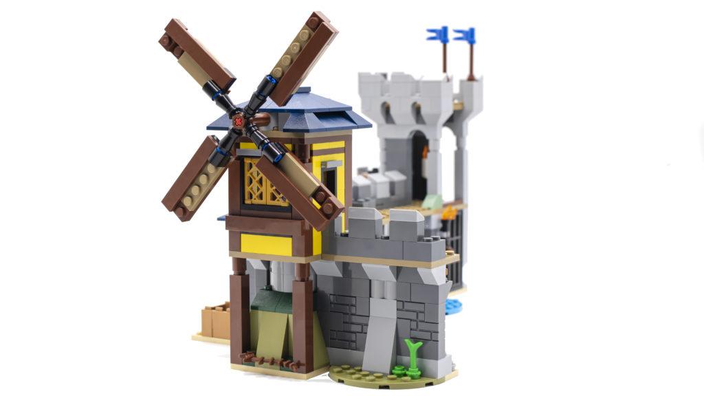 LEGO Creator 3 in 1 Medieval Castle 31120 23