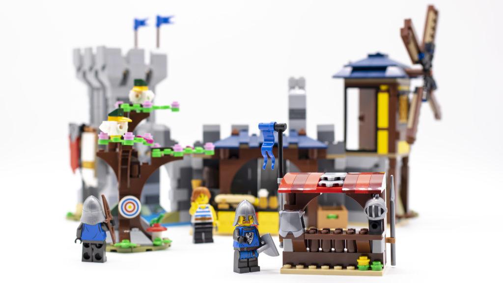 LEGO Creator 3 in 1 Medieval Castle 31120 26