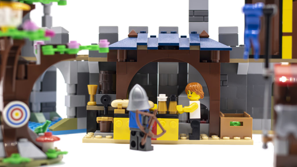 LEGO Creator 3 in 1 Medieval Castle 31120 28