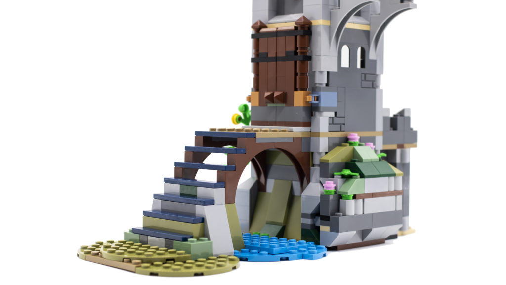 LEGO Creator 3 in 1 Medieval Castle 31120 4