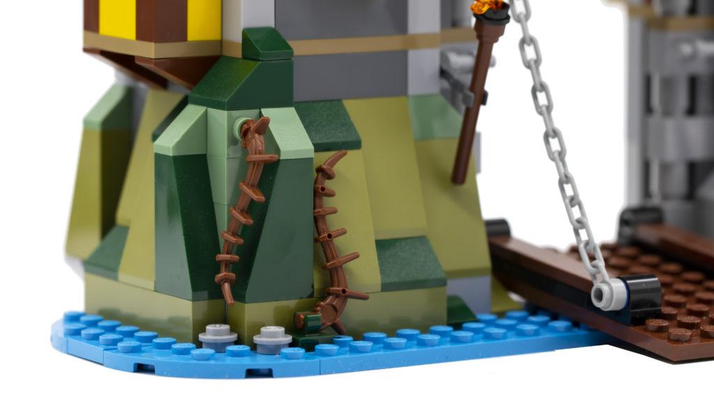 LEGO Creator 3 in 1 Medieval Castle 31120 44