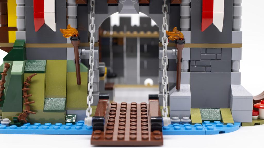 LEGO Creator 3 in 1 Medieval Castle 31120 60