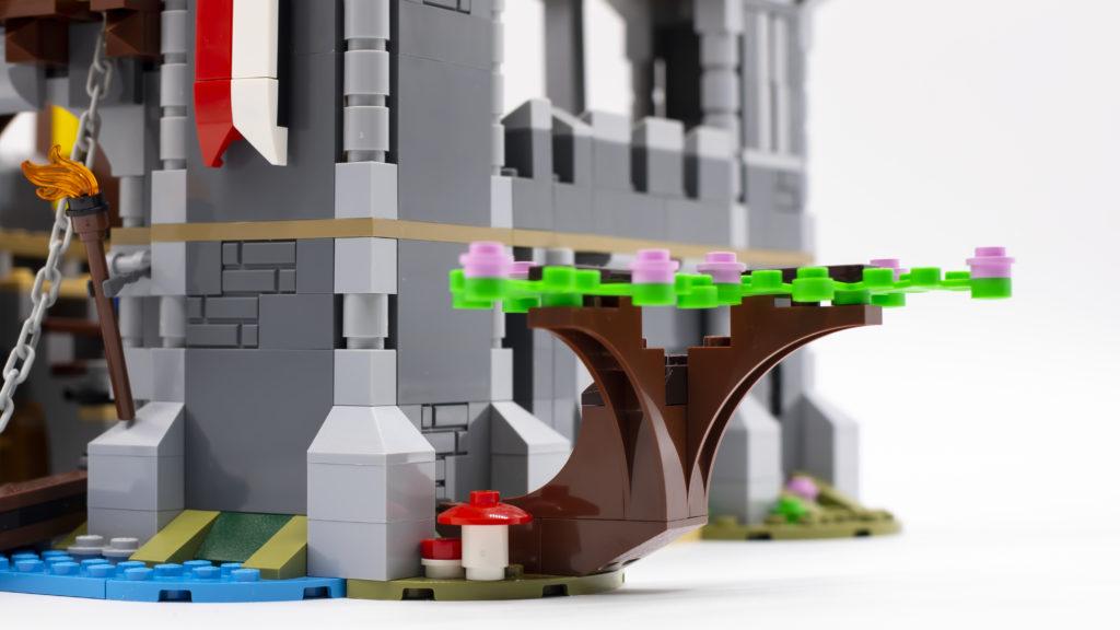 LEGO Creator 3 in 1 Medieval Castle 31120 65