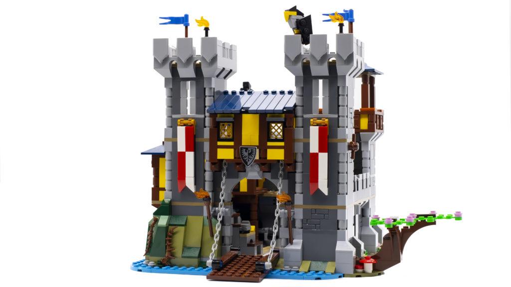 LEGO Creator 3 in 1 Medieval Castle 31120 69