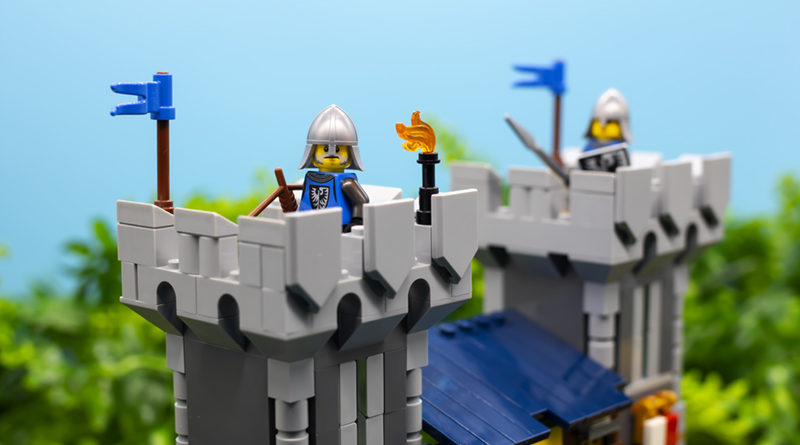 LEGO Creator 3 in 1 Medieval Castle 31120 FEATURED RESIZE