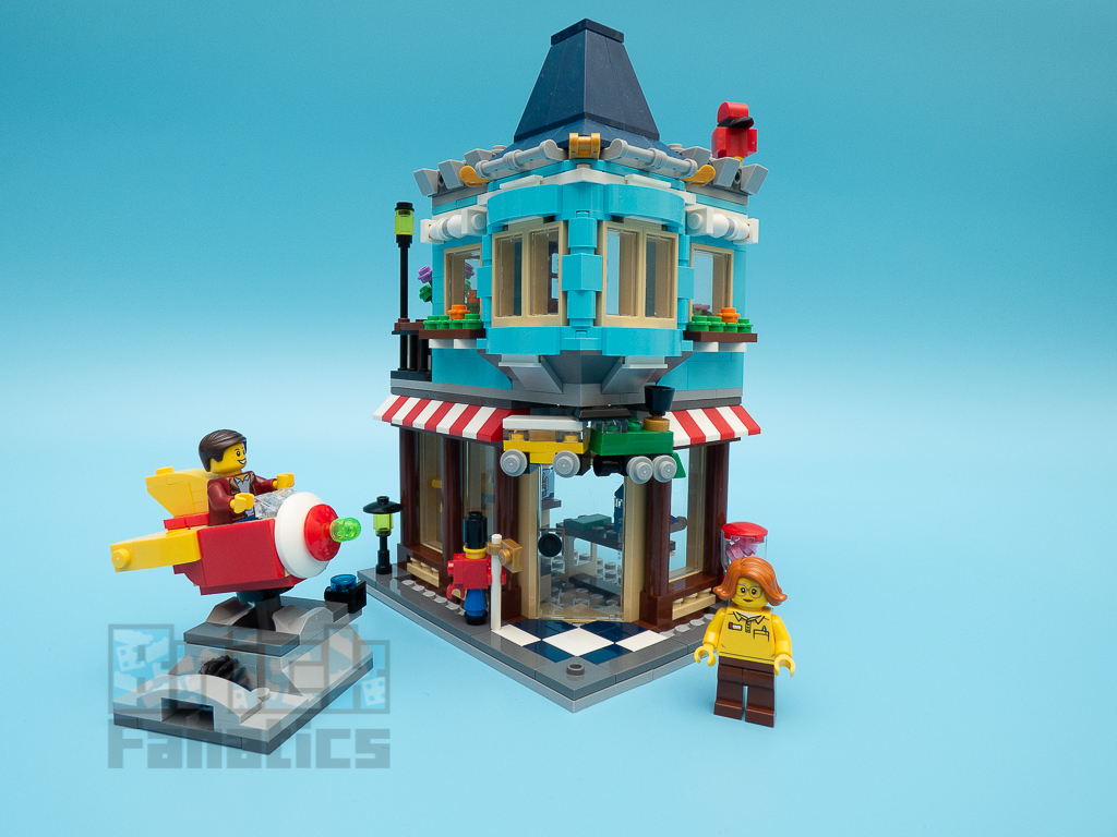 LEGO Creator 31105 Townhouse Toy Store 1