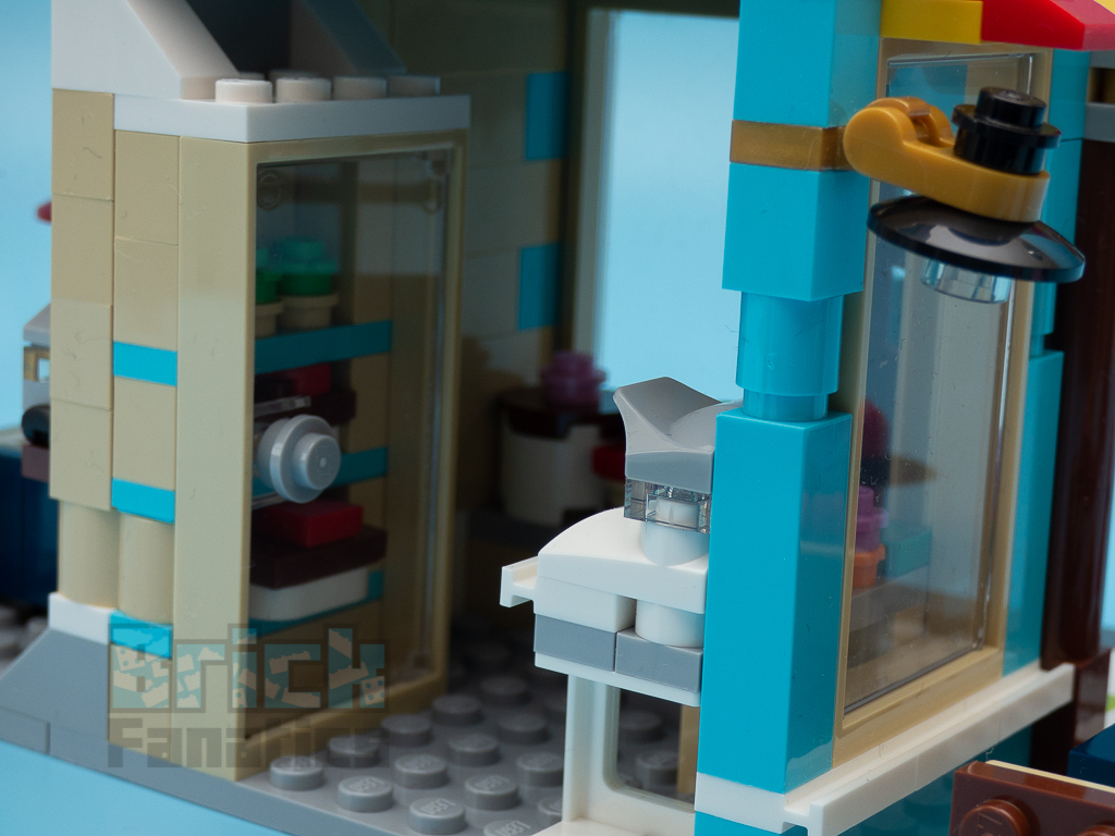 LEGO Creator 31105 Townhouse Toyshop C 10