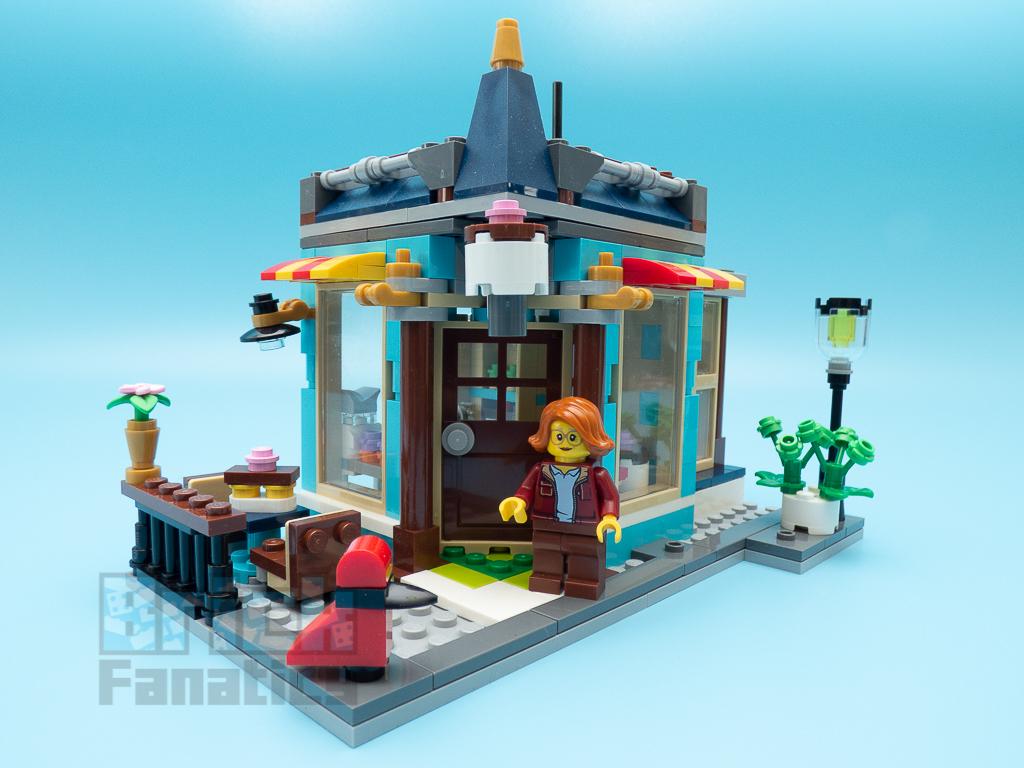 LEGO Creator 31105 Townhouse Toyshop C 13