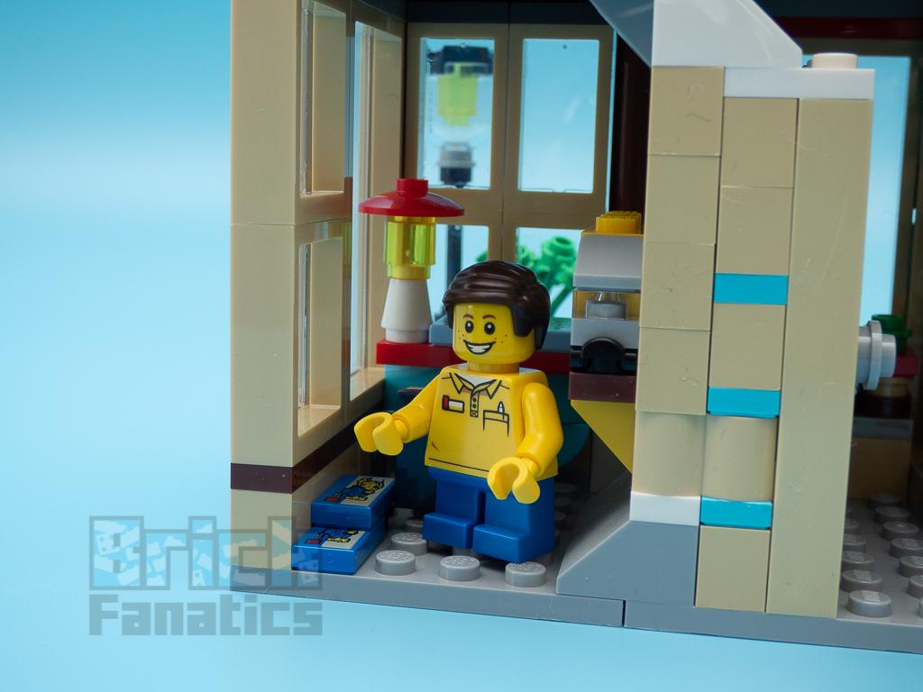 LEGO Creator 31105 Townhouse Toyshop C 7