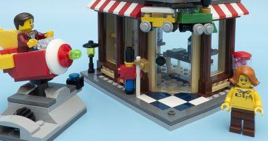 LEGO Creator 31105 Townhouse Toyshop