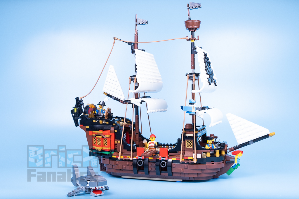 LEGO Creator 31109 Pirate Ship 1 2