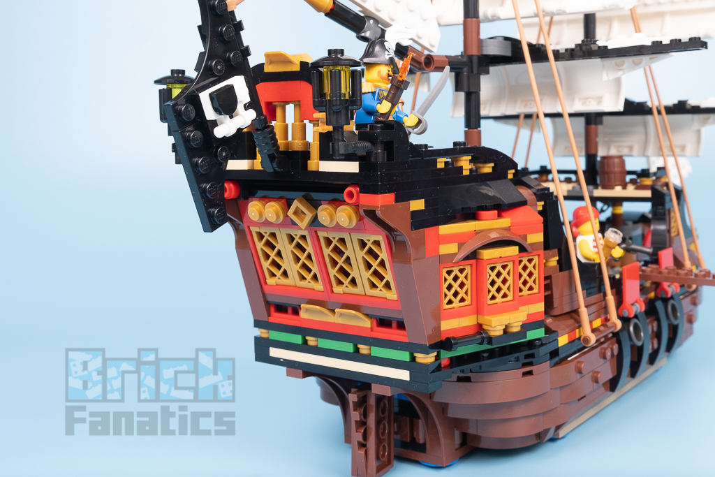 LEGO Creator 31109 Pirate Ship 14