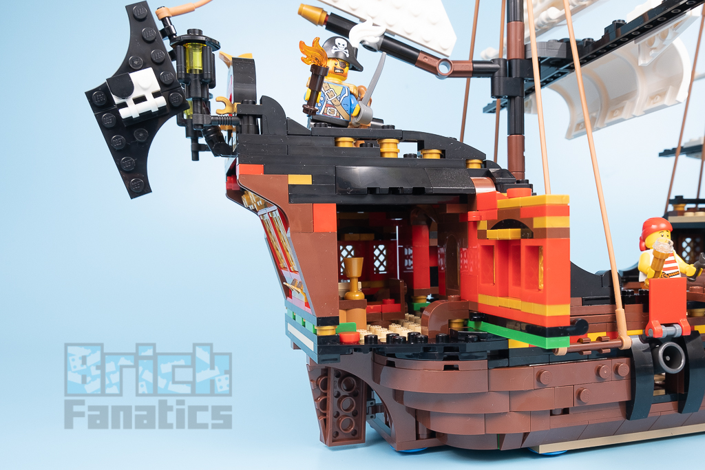 LEGO Creator 31109 Pirate Ship 15