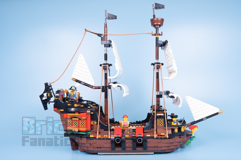 LEGO Creator 31109 Pirate Ship 4 2