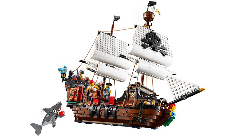 LEGO Creator 31109 Pirate Ship 4 Featured