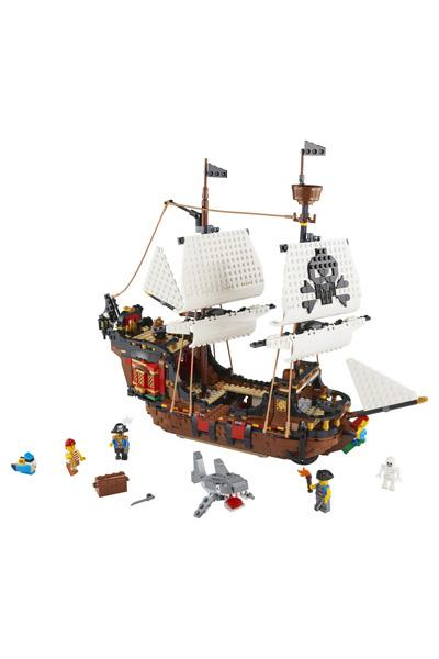 LEGO Creator 31109 Pirate Ship 4