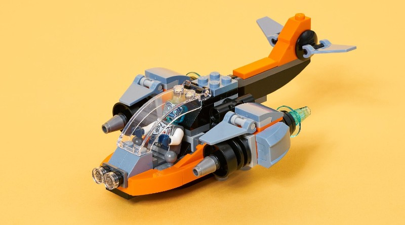 LEGO Creator 31111 Cyber Drone Lifestyle Shot Featured 1