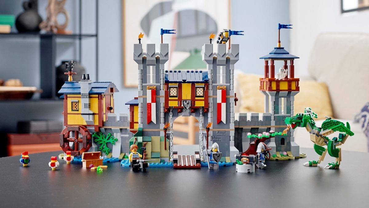 LEGO Creator 31120 Medieval Castle Featured
