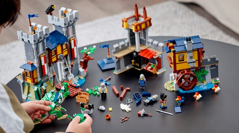 LEGO Creator 31120 Medieval Castle Lifestyle Featured 1