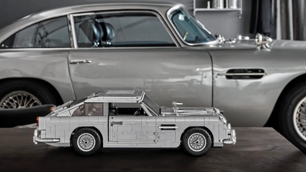 LEGO Creator Expert 10262 James Bond Aston Martin DB5 featured
