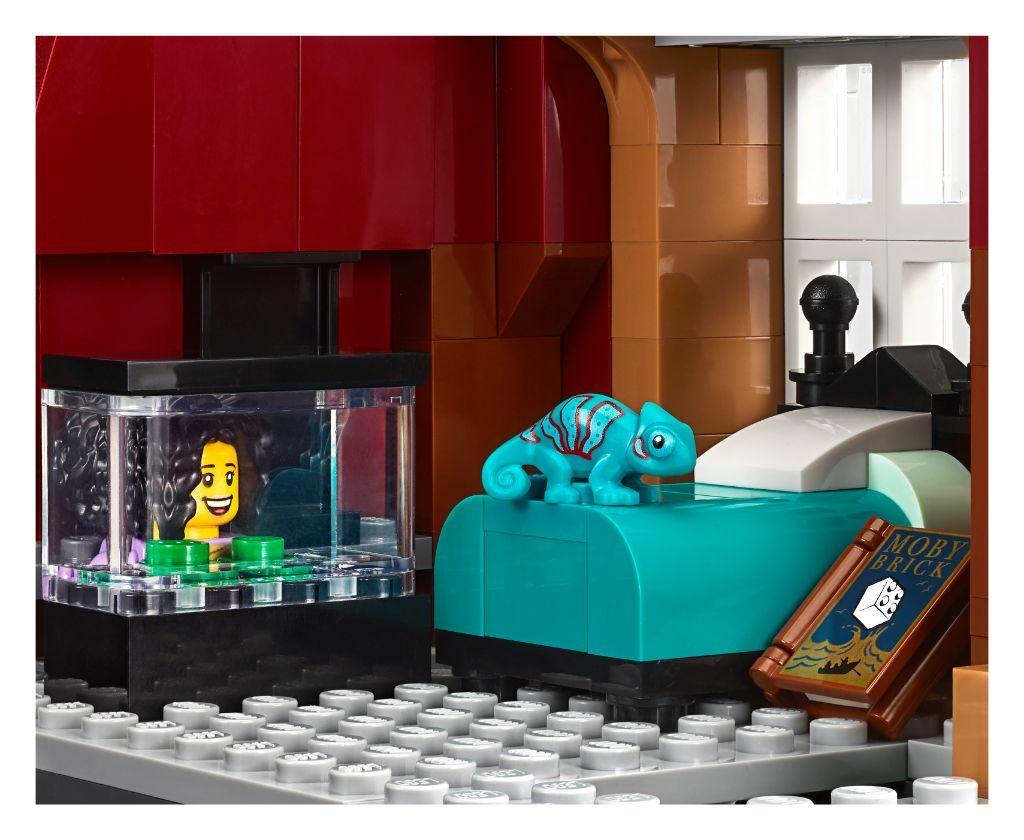 LEGO Creator Expert 10270 Bookshop 18