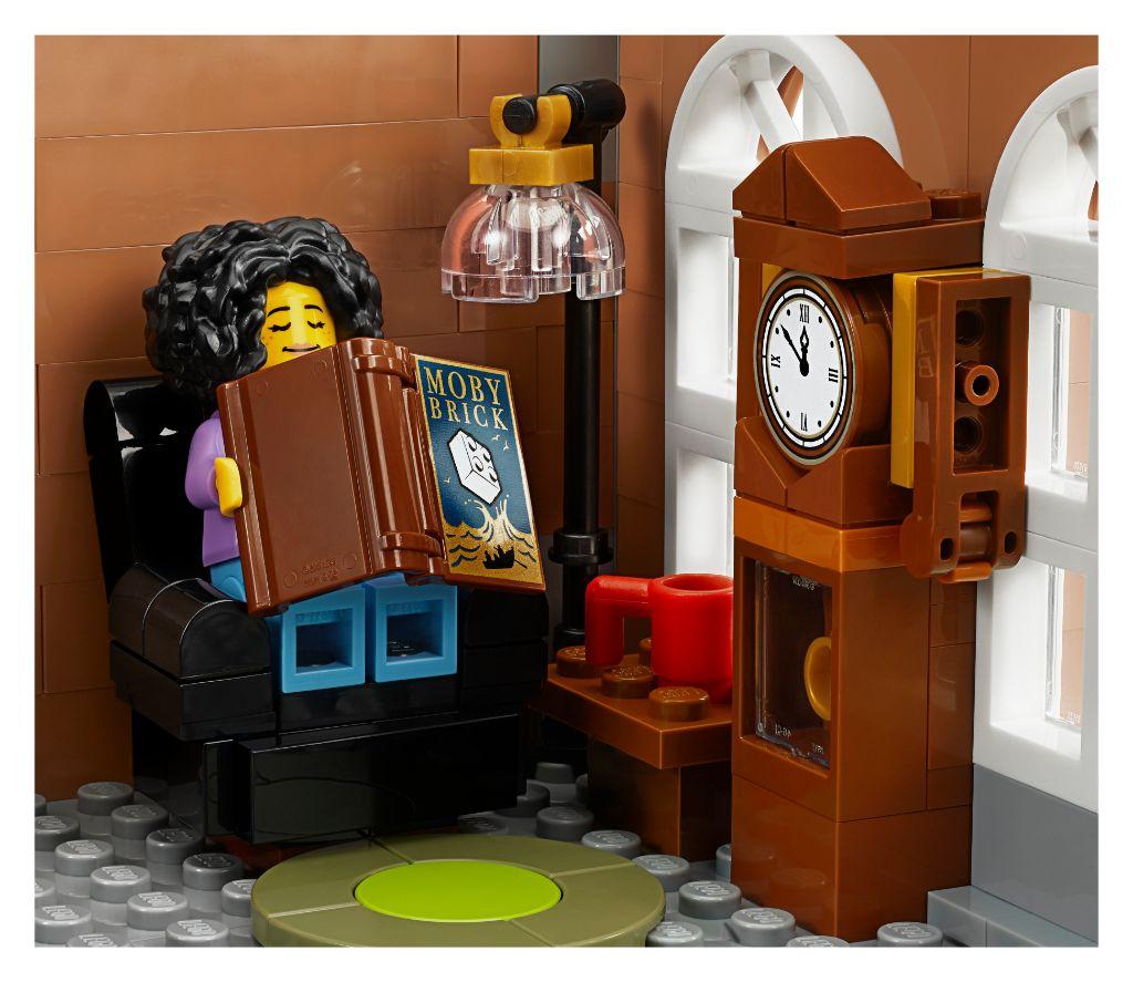 LEGO Creator Expert 10270 Bookshop 19