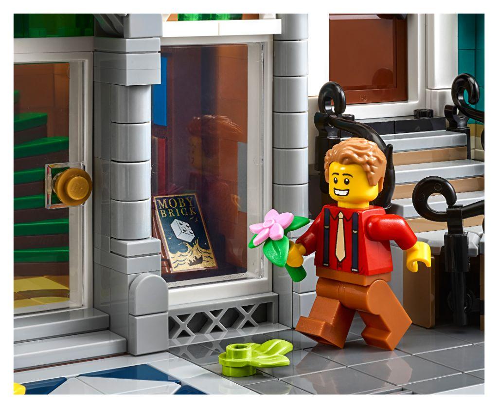 LEGO Creator Expert 10270 Bookshop 22