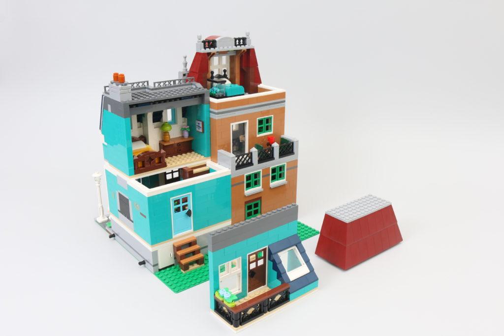 LEGO Creator Expert 10270 Bookshop Review 11