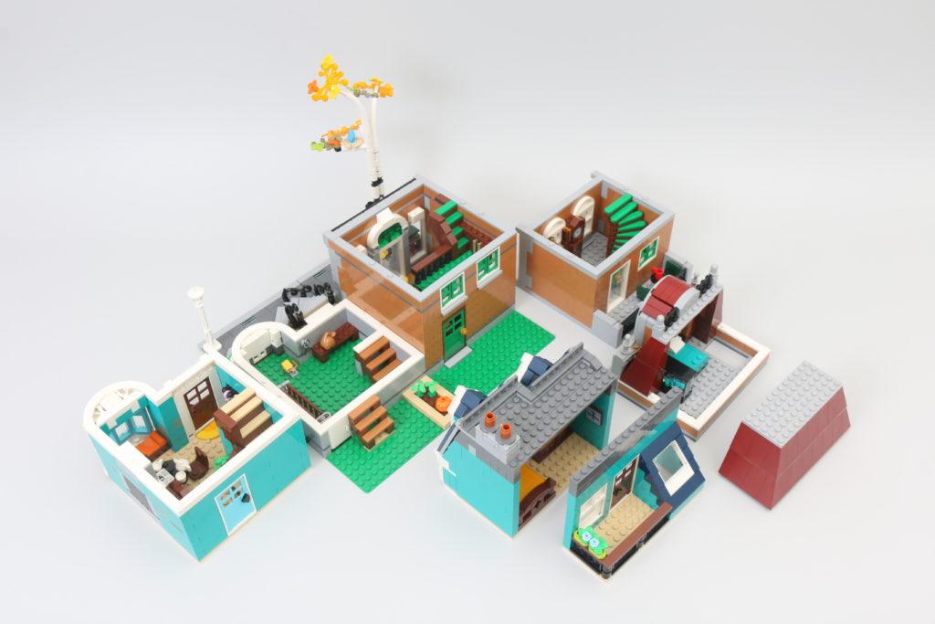 LEGO Creator Expert 10270 Bookshop Review 13