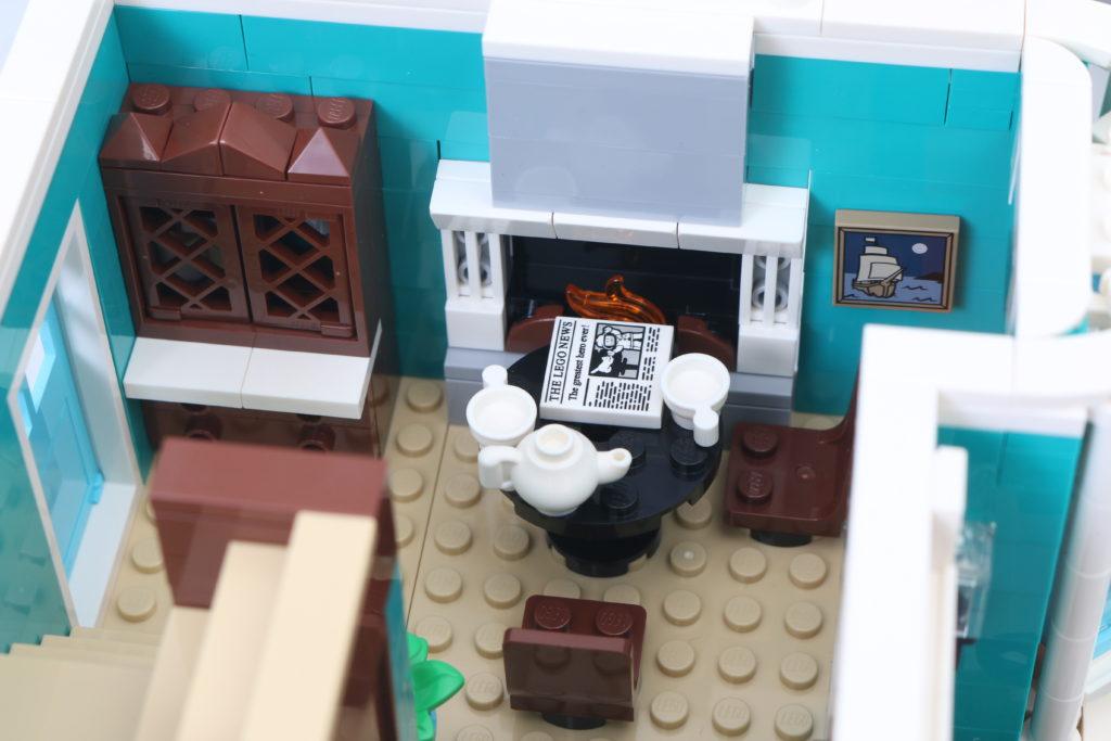 LEGO Creator Expert 10270 Bookshop Review 17
