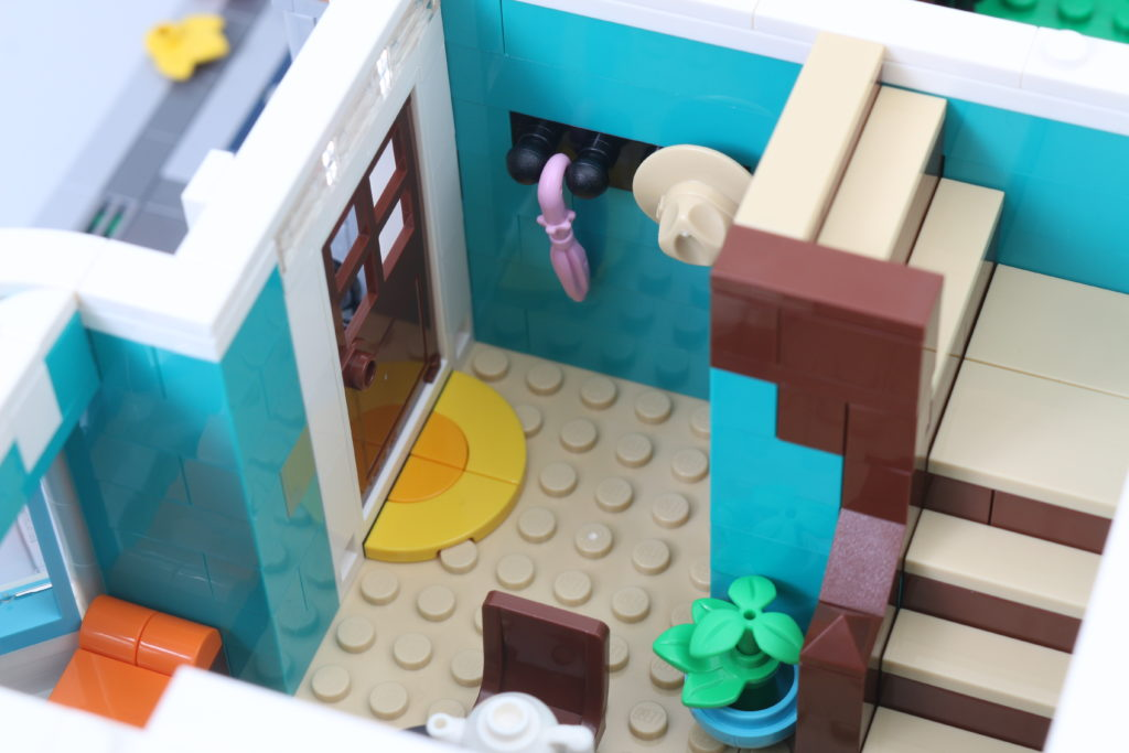 LEGO Creator Expert 10270 Bookshop Review 18