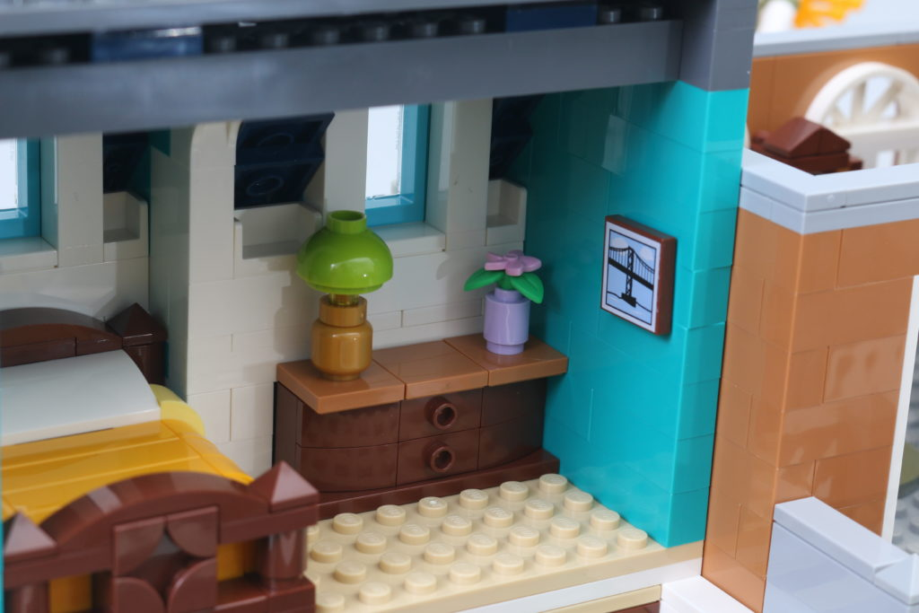LEGO Creator Expert 10270 Bookshop Review 22