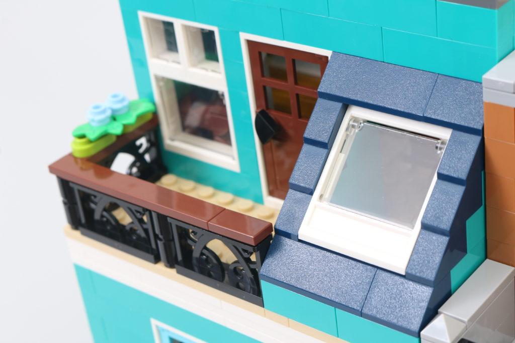 LEGO Creator Expert 10270 Bookshop Review 23