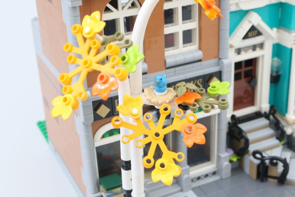 LEGO Creator Expert 10270 Bookshop Review 27