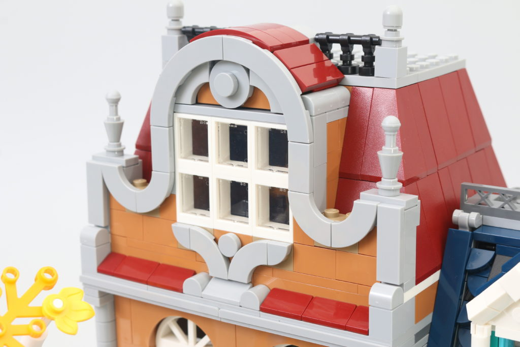 LEGO Creator Expert 10270 Bookshop Review 33.jpg
