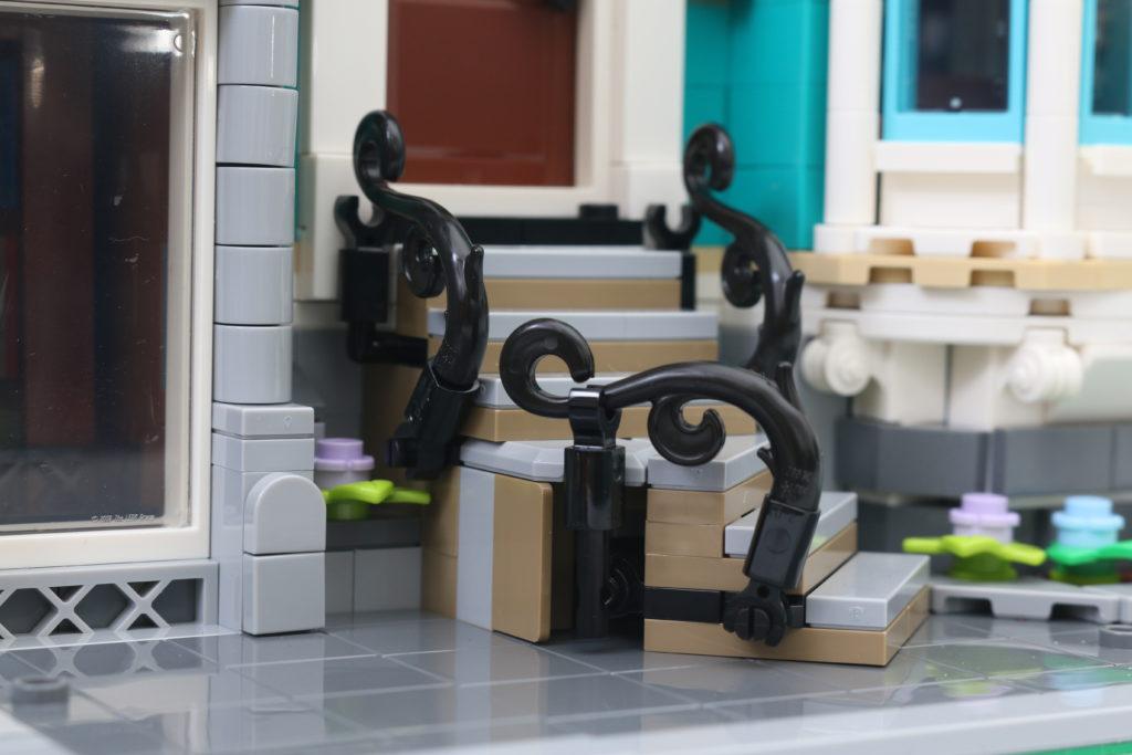 LEGO Creator Expert 10270 Bookshop Review 37