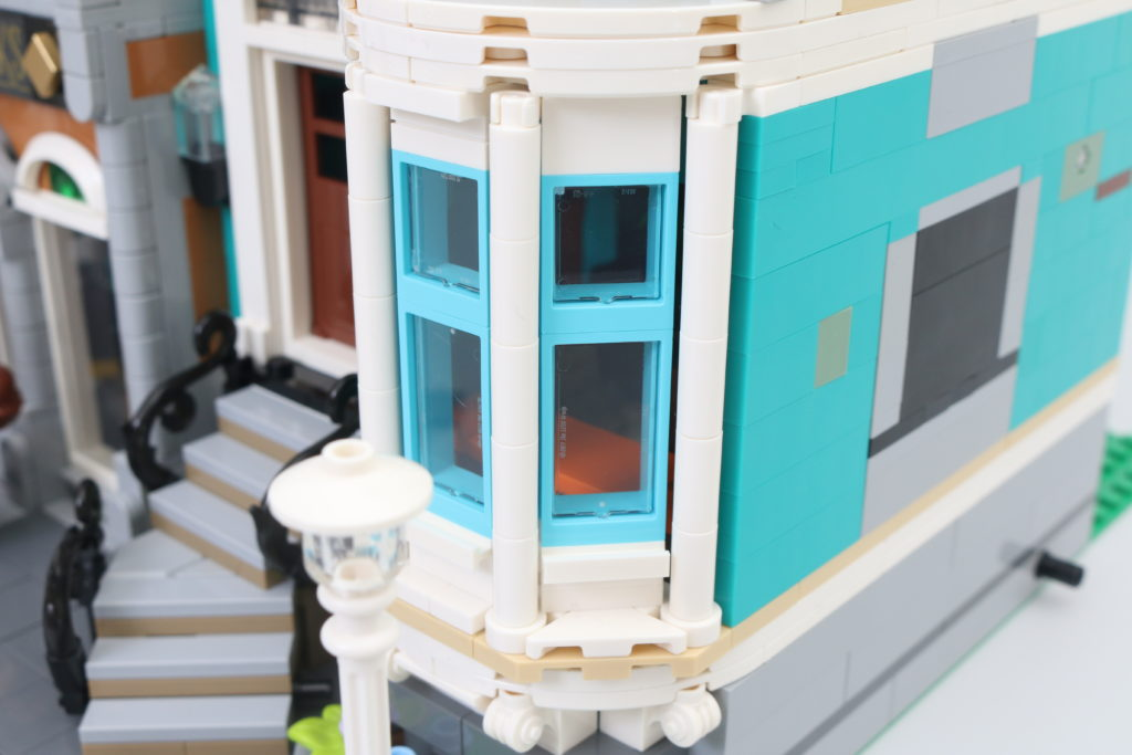 LEGO Creator Expert 10270 Bookshop Review 39