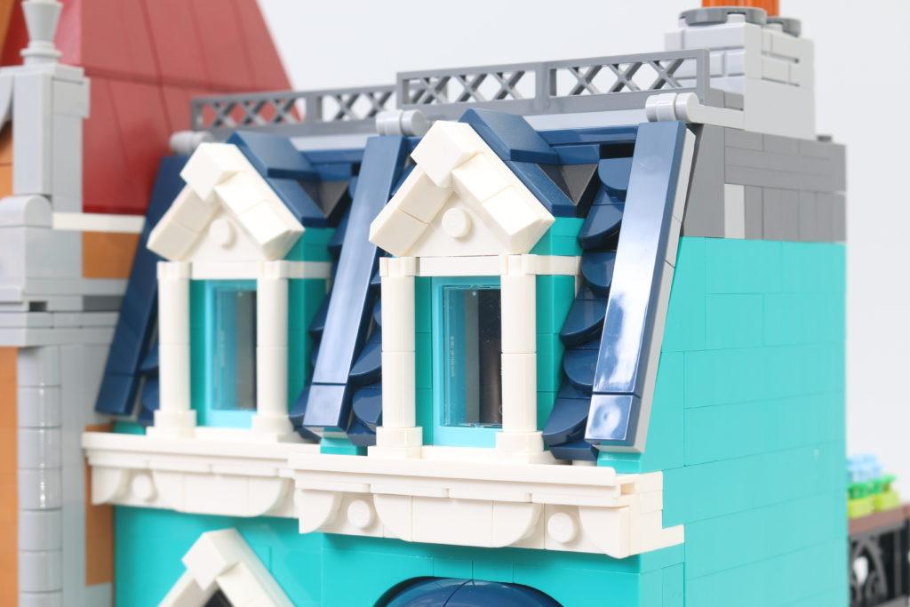 LEGO Creator Expert 10270 Bookshop Review 40