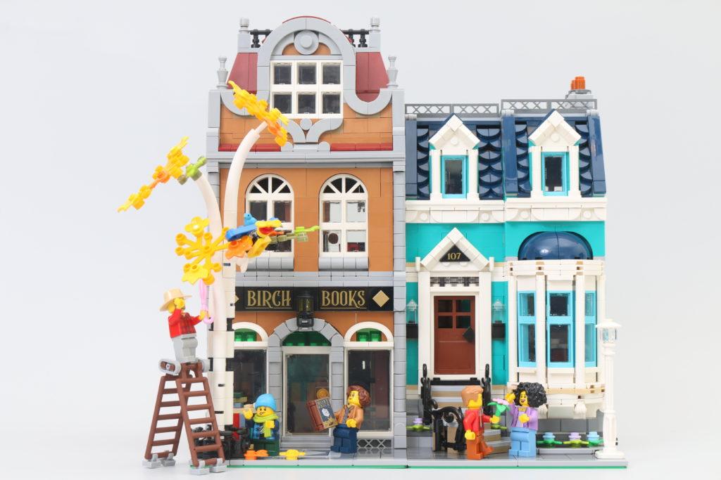 LEGO Creator Expert 10270 Bookshop Review 44