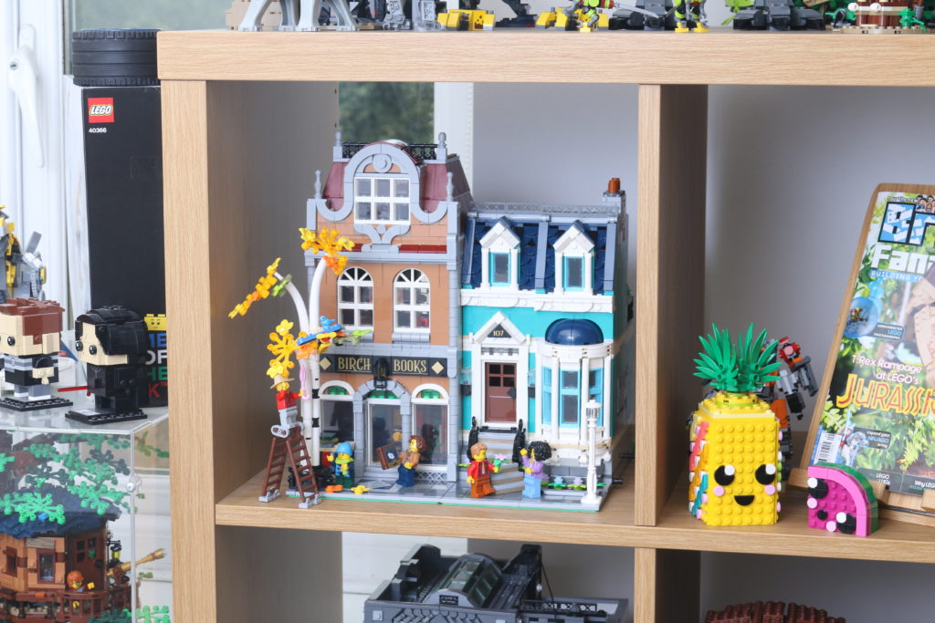 LEGO Creator Expert 10270 Bookshop Review Final 1