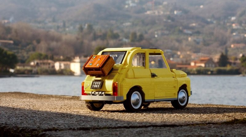 LEGO Creator Expert 10271 Fiat 500 lifestyle featured