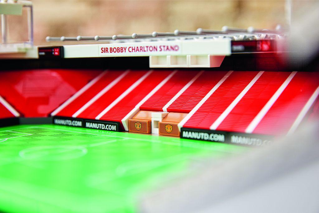 LEGO Creator Expert 10272 Old Trafford Manchester United 26