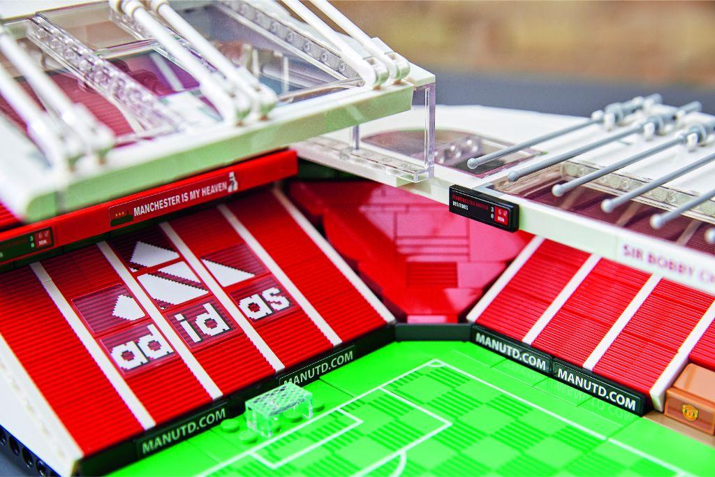 LEGO Creator Expert 10272 Old Trafford Manchester United 28