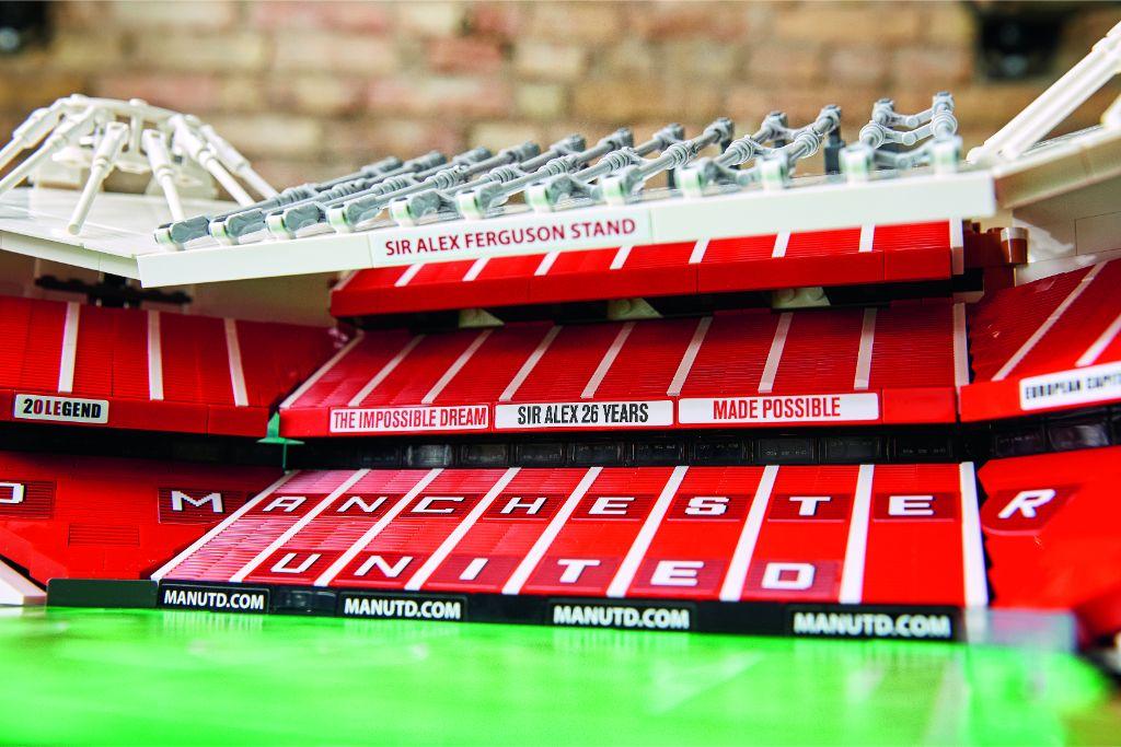 LEGO Creator Expert 10272 Old Trafford Manchester United 31