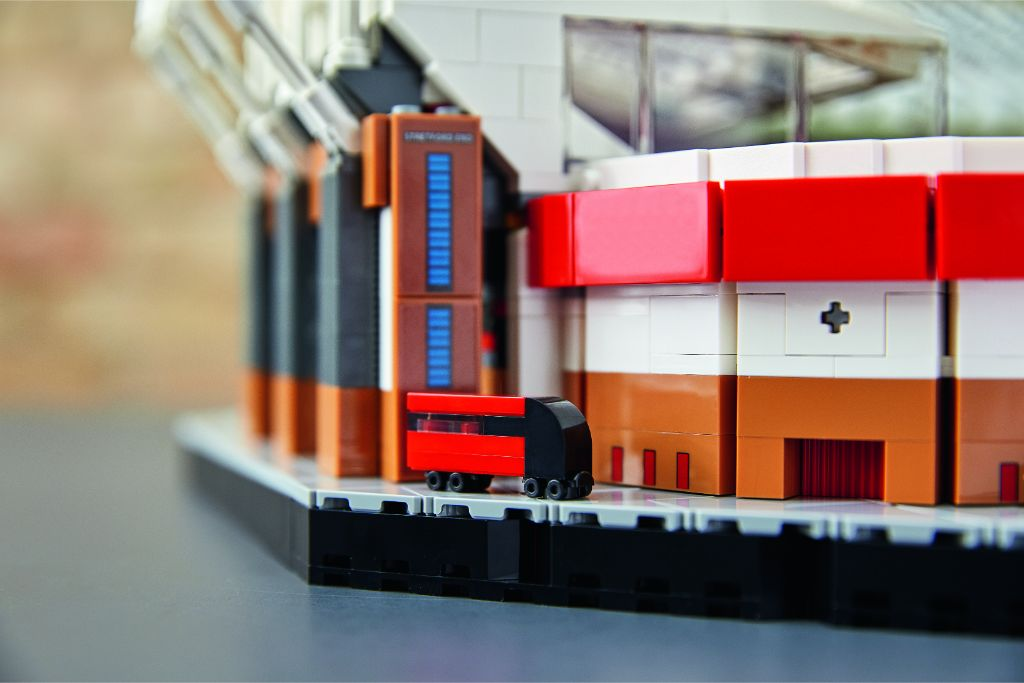 LEGO Creator Expert 10272 Old Trafford Manchester United 32
