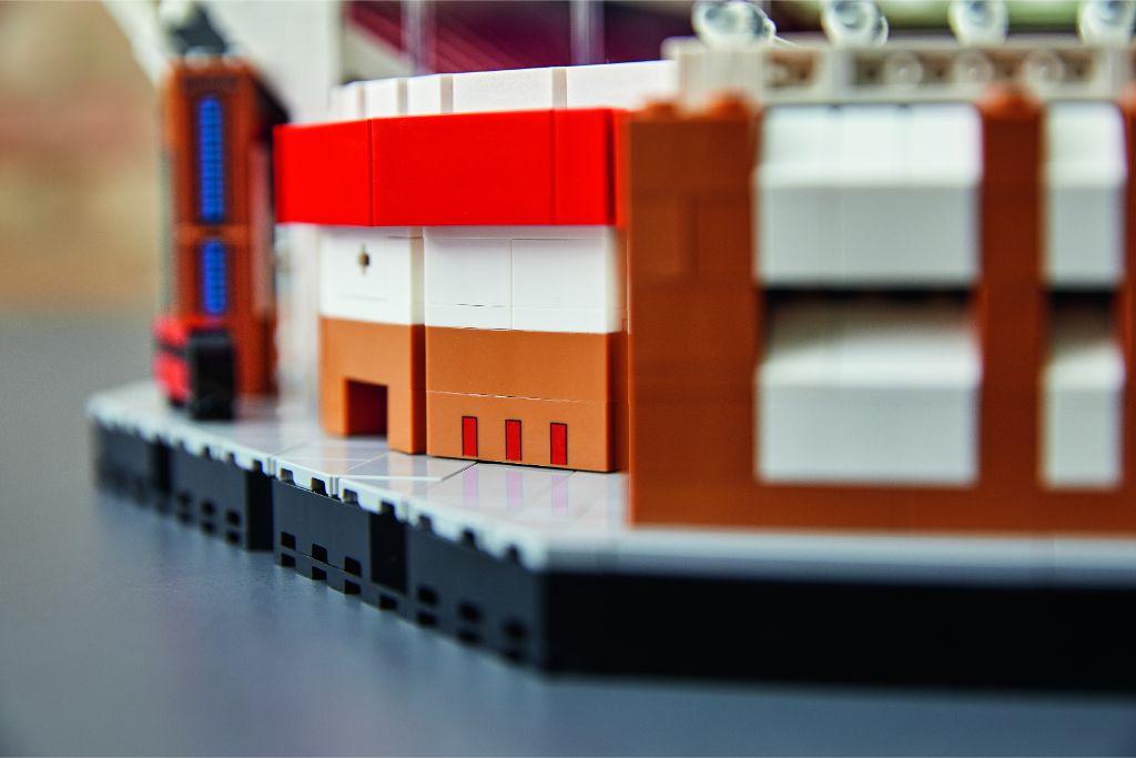 LEGO Creator Expert 10272 Old Trafford Manchester United 34