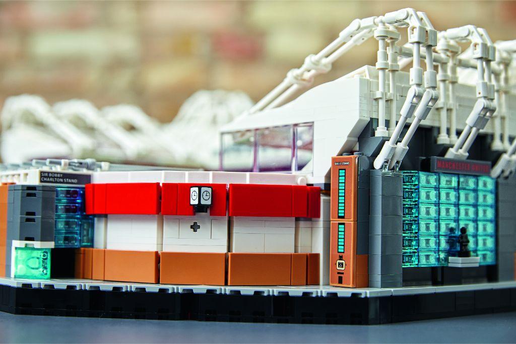 LEGO Creator Expert 10272 Old Trafford Manchester United 35